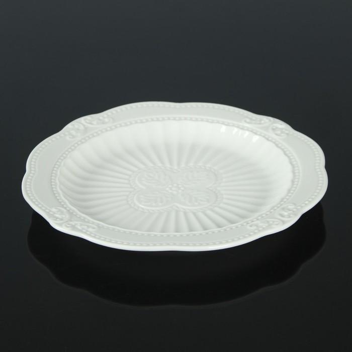Тарелка «Этюд», d=20 см, цвет белый