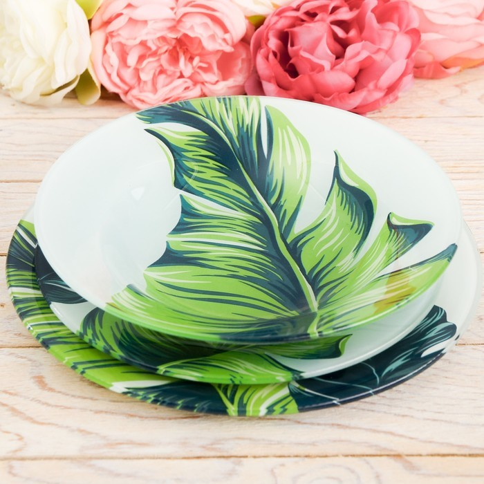 Набор стеклянных тарелок